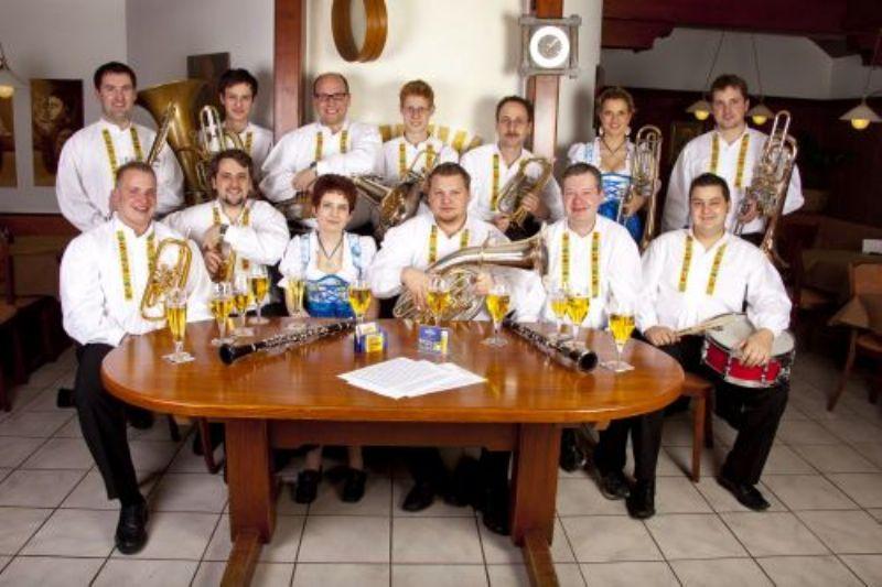 Michael maier und seine blasmusikfreunde stadthalle for Deko maier singen