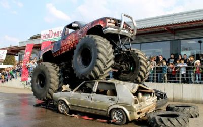 XXXXXXL US Monster Truck Show